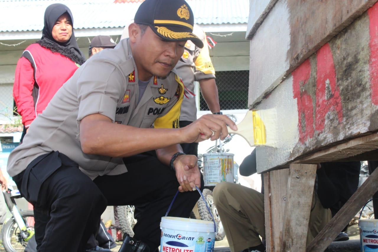 Berawal Dari Postingan di Medsos, Aksi Spontan Kapolres Kepahiang Membuat Kejutan Warga Desa Bandung Jaya