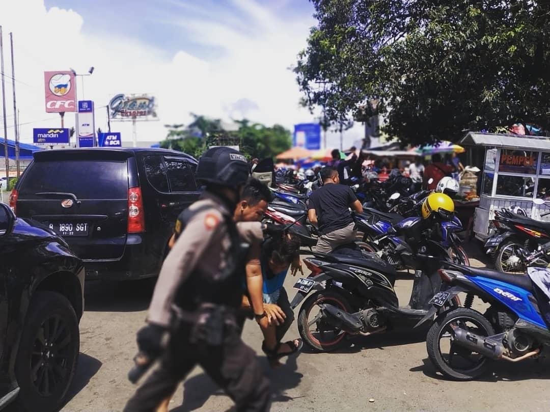 """Tim Biawak Polres Bengkulu """"Sikat"""" Perjudian Sabung Ayam Kawasan Pasar Minggu"""