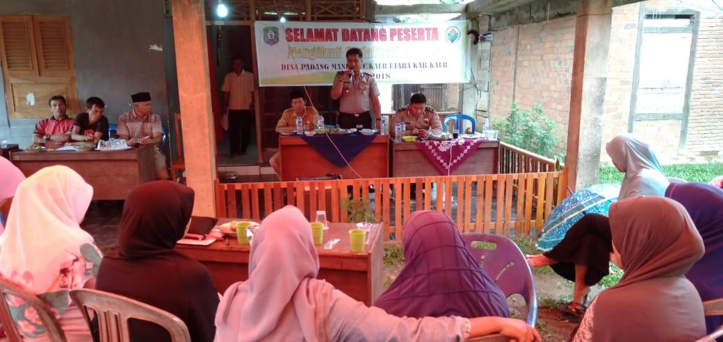 Sosialisasi Sadar Hukum di Desa Padang Manis, Kapolsek Kaur Utara Jadi Narasumber