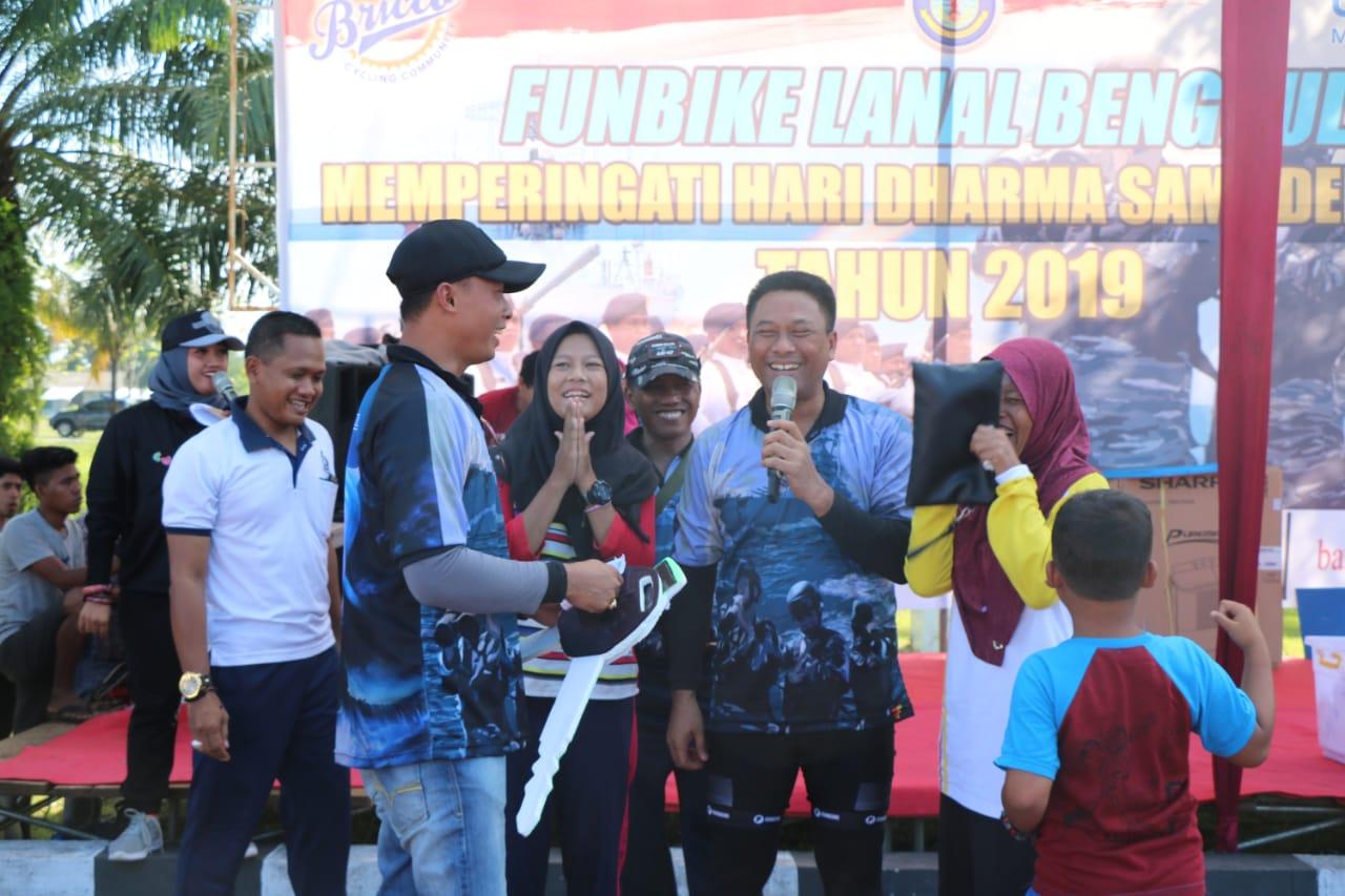 Sinergitas TNI-Polri, Wakapolda Bengkulu Ikuti Fun Bike Memperingati Hari Dharma Samudera TNI AL