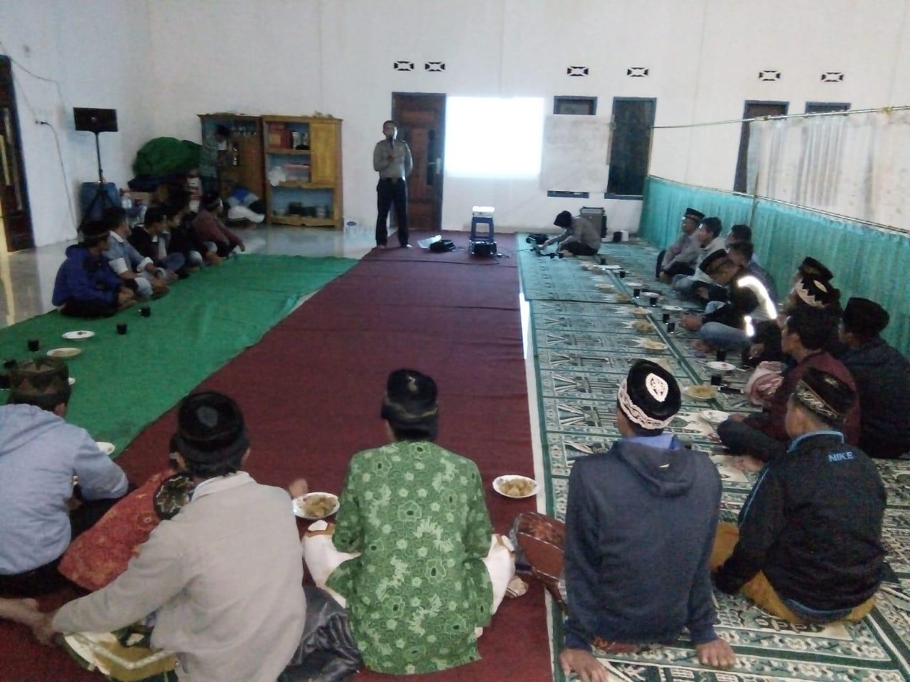Bersama Jamaah Masjid Jamik, Sat Binmas Polres Kepahiang Gelar Penyuluhan Binpolmas