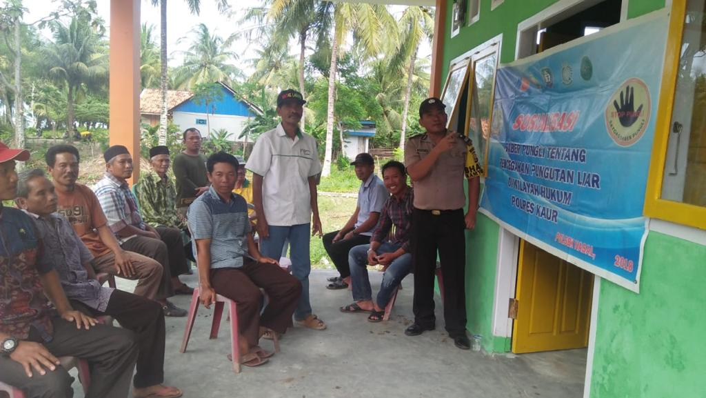 Wujudkan Pelayanan Publik Bebas Pungli, Bhabinkamtibmas Polsek Nasal Gelar Sosialisasi