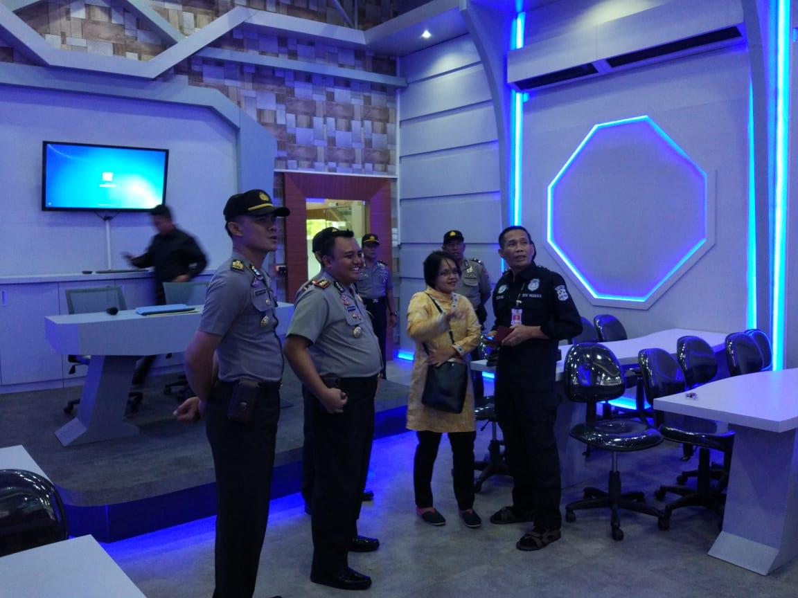 Kedatangan Tim Div Humas Polri, Kapolres BU Kenalkan Command Center