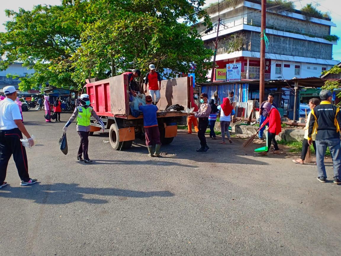 Polres Bengkulu Selatan Gelar Apel HPSN dan Kebersihan di Pasar Ampera