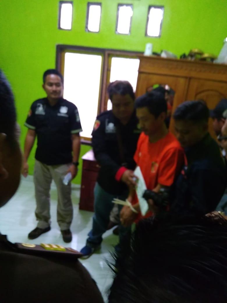 Polisi Gelar Rekon Suami Bunuh Istri Ditanjung Jaya
