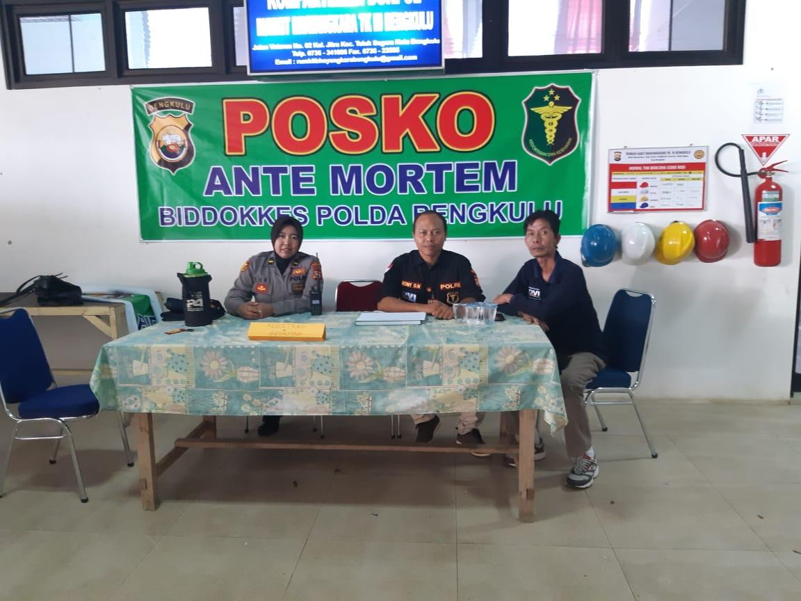 Biddokkes Polda Bengkulu Gelar Posko Ante Mortem Bagi Korban Banjir