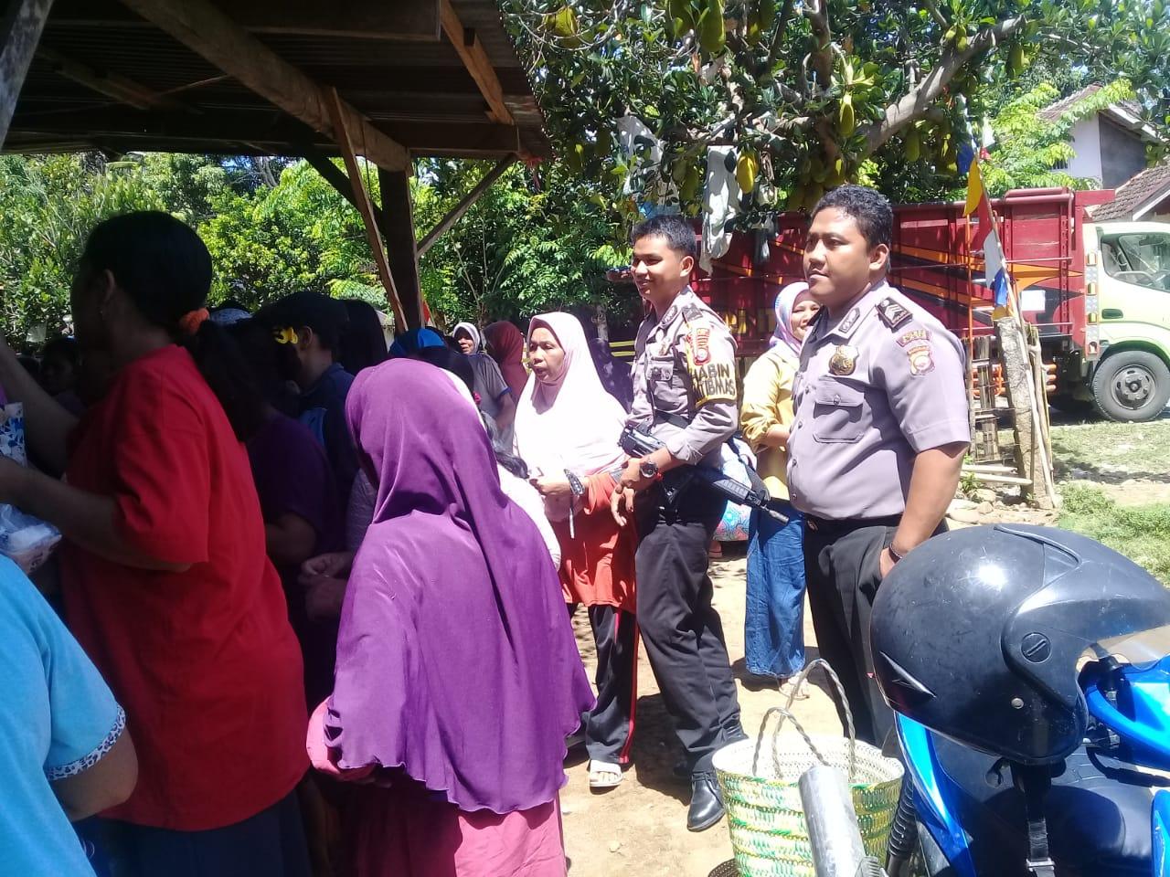 Polsek Kaur Utara Berikan Pengamanan Kegiatan Bazar Murah Disperindagkop