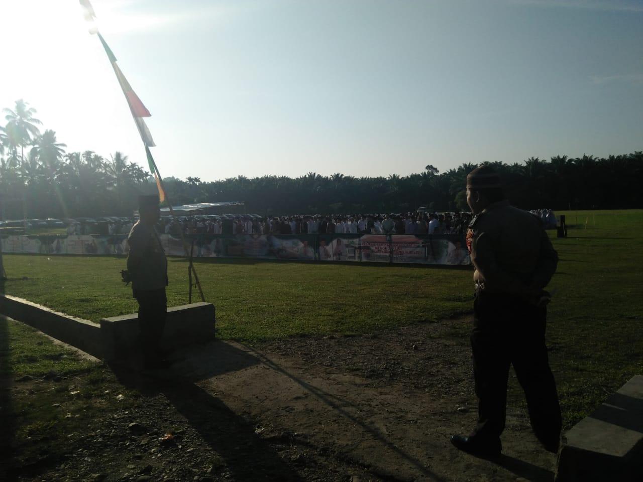 Polsek Kaur Utara Amankan Shalat Ied Pemda Kaur yang Berlangsung di Desa Coko Enau