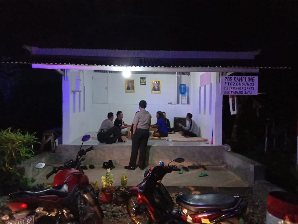 Beri Motivasi, Sat Binmas Polres Bengkulu Utara Kunjungi Poskamling