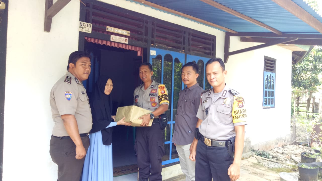 HUT Bhayangkara, Anggota Polsek Kaur Utara Kunjungi Warakawuri Polri