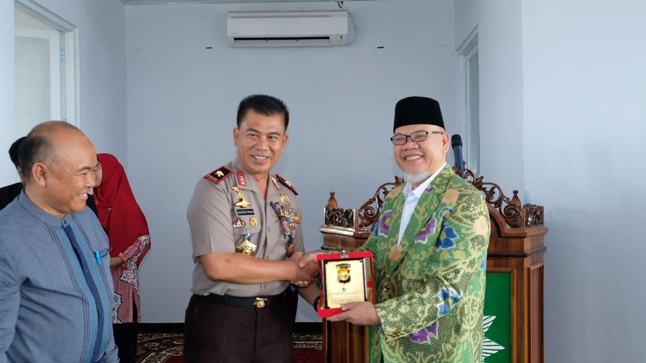 Hadiri Pelepasan Mahasiswa KKN, Kapolda Bengkulu Berikan Motivasi