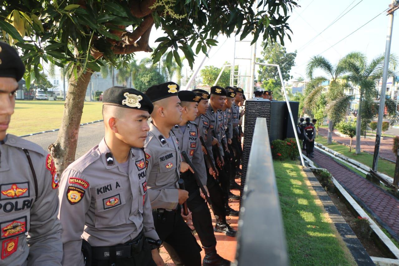 Polda Diserang! Anggota Antisipasi Serangan Musuh