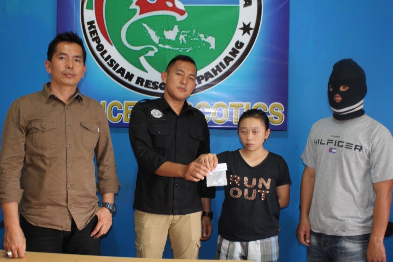 Jadi Kurir Sabu, Janda Muda Beranak Satu Ditangkap Polisi