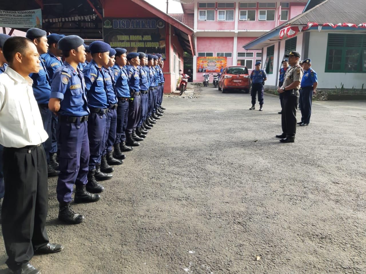 Cegah Karhutla, Sat Binmas Polres Rejang Lebong Sambangi Dinas Damkar