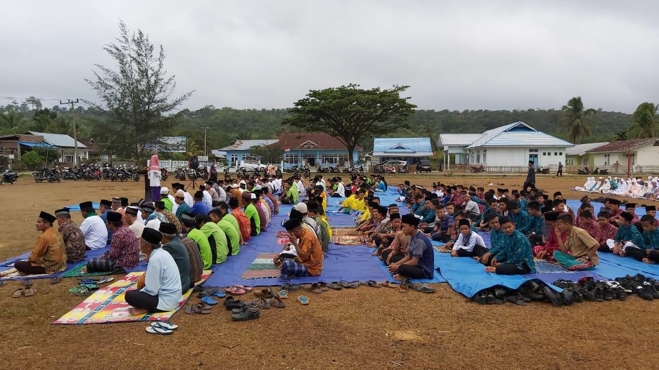 Minta Hujan, Warga Kecamatan Kedurang Ilir Gelar Shalat Istisqa dan Doa Bersama