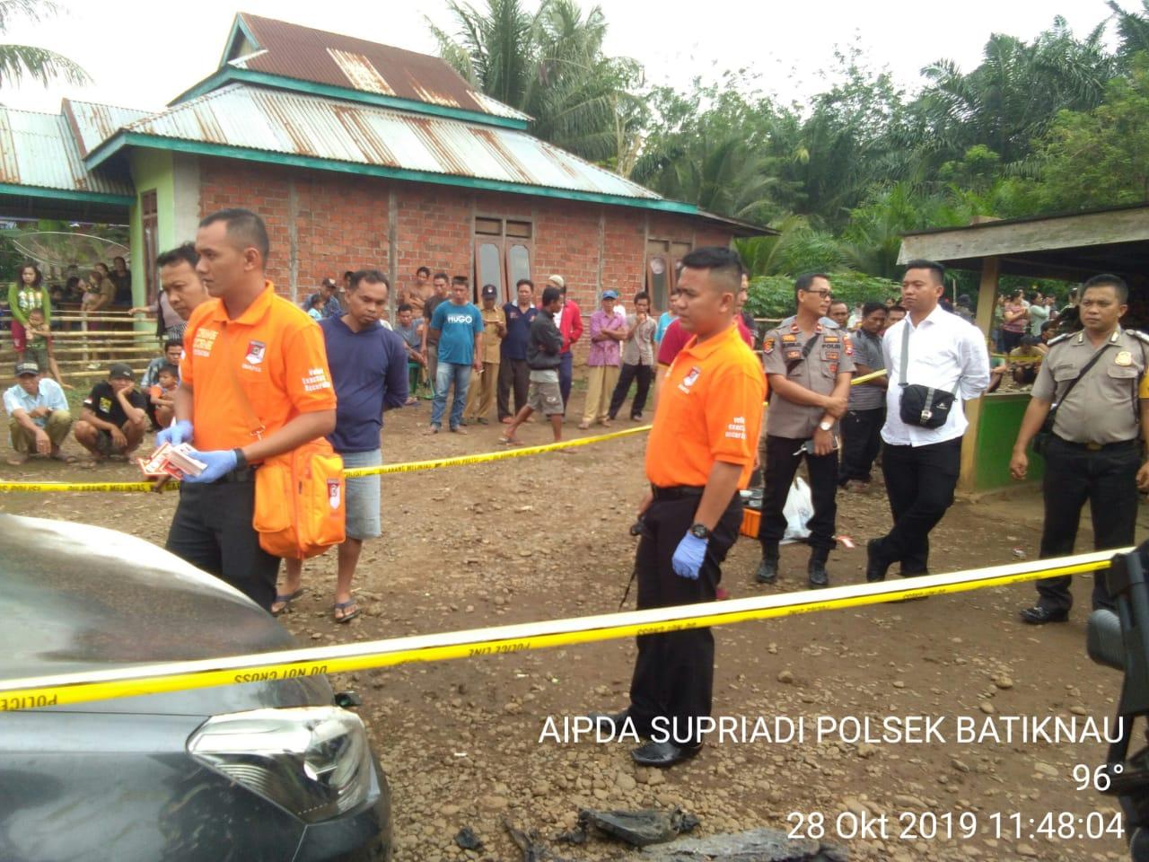 Dibackup Polda dan Polres, Polsek Batiknau Olah TKP Pembakaran Mobil