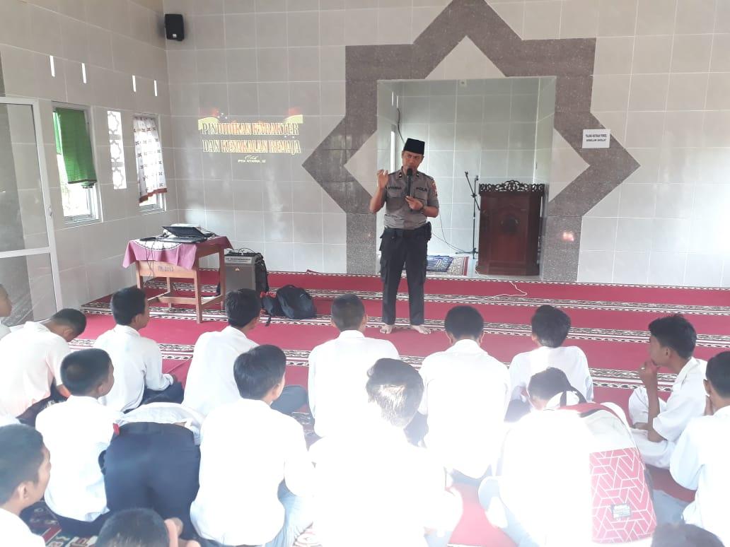Sat Binmas Polres Bengkulu Gelar Binluh di SMK N 4