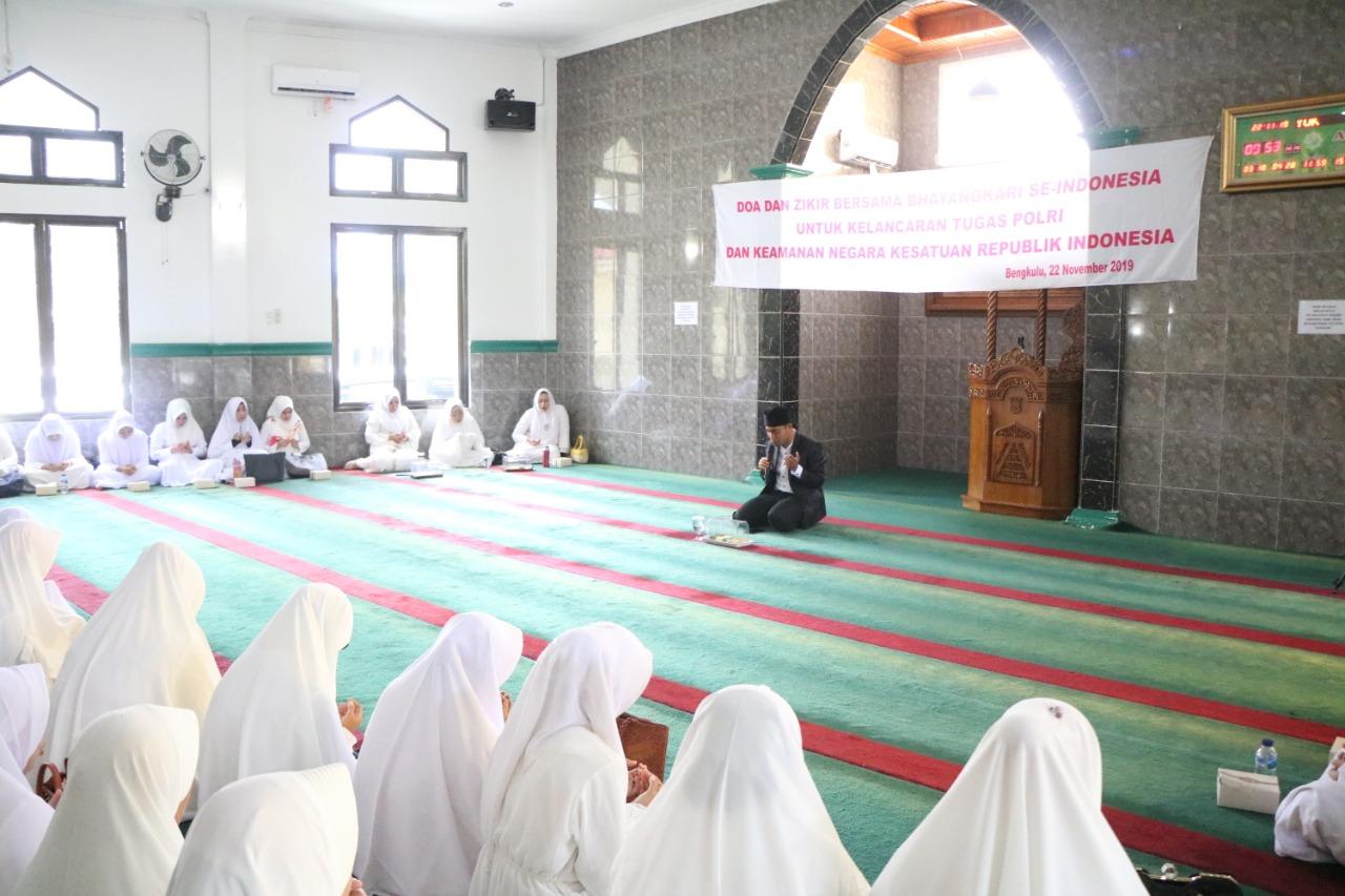 Bhayangkari Daerah Bengkulu Gelar Doa dan Dzikir Bersama Demi Kelancaran Tugas Polri