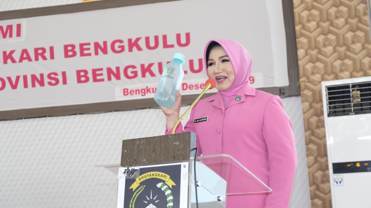 Pertemuan Rutin BKOW, Ketua Bhayangkari Daerah Bengkulu Kampanyekan Aksi Bebas Plastik