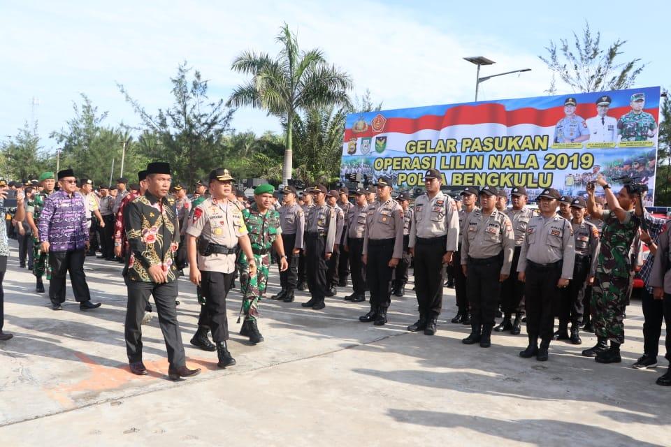 Kapolda Pimpin Apel Gelar Pasukan Operasi Lilin Nala 2019 Polda Bengkulu