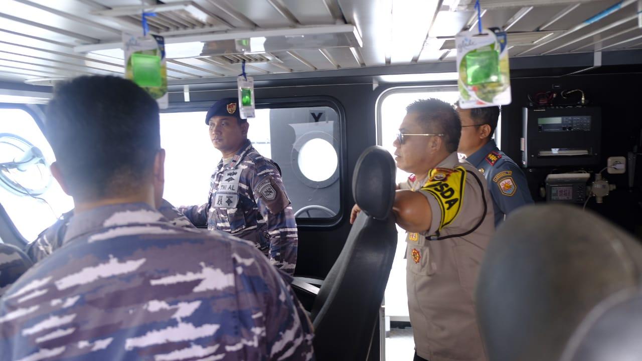 Kapolda Bengkulu Bersama Danlanal Patroli Wilayah Laut Bengkulu