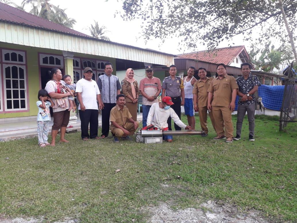 Cegah DBD, Desa Pulai Payung Lakukan Fogging
