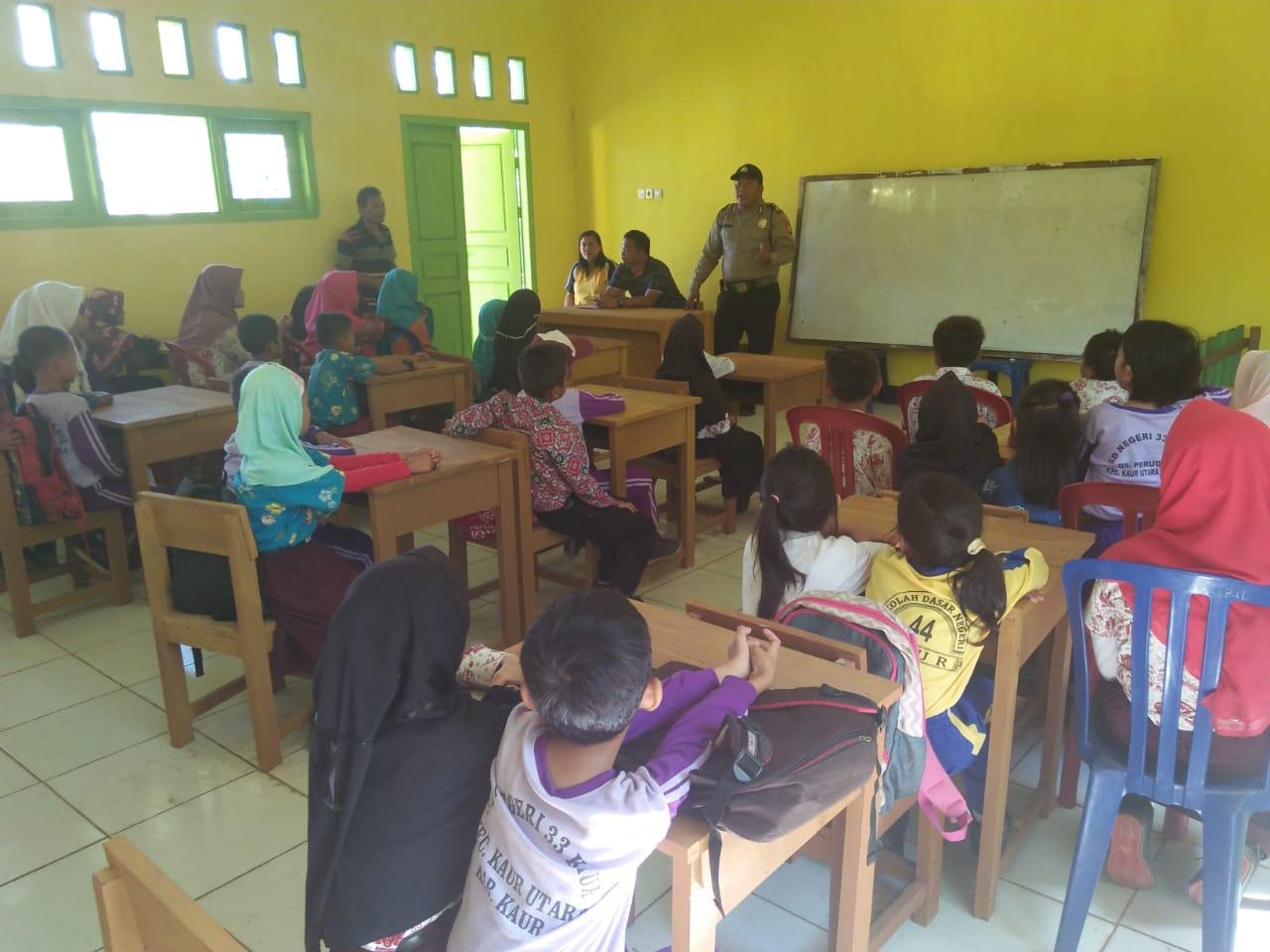 Cegah Penculikan, Polsek Kaur Utara Gelar Binluh di Sekolah