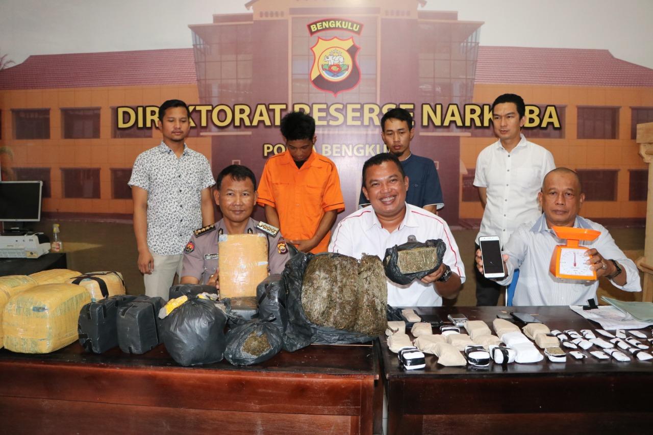 Polda Bengkulu Amankan Resedivis Beserta 40 Kg Ganja Asal Aceh