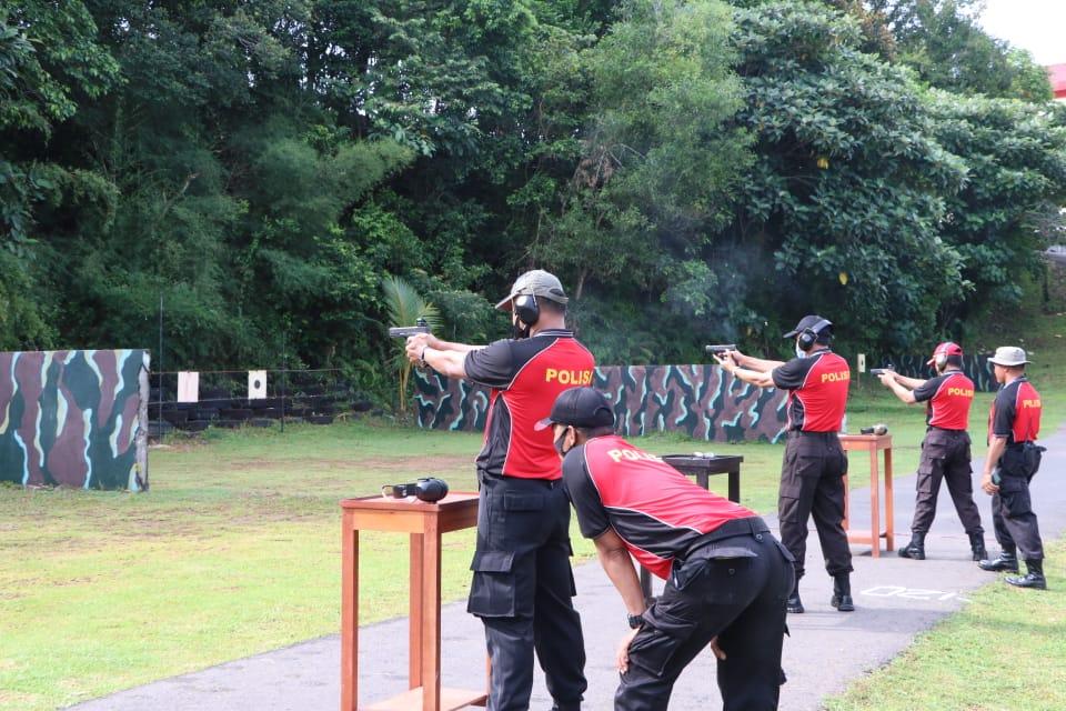Perkuat Soliditas Internal, Kapolda Bengkulu dan PJU  Latihan Menembak Bersama