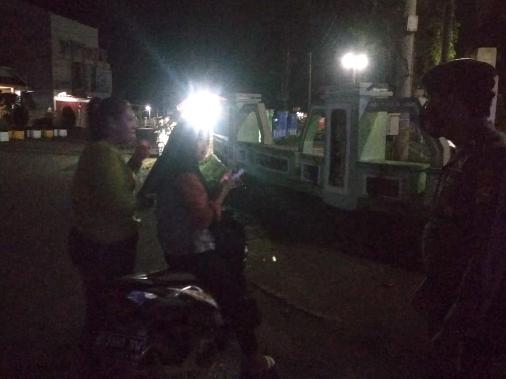 Patroli Sabhara Polrs BS Bubarkan Anak Muda Keluyuran Malam Hari