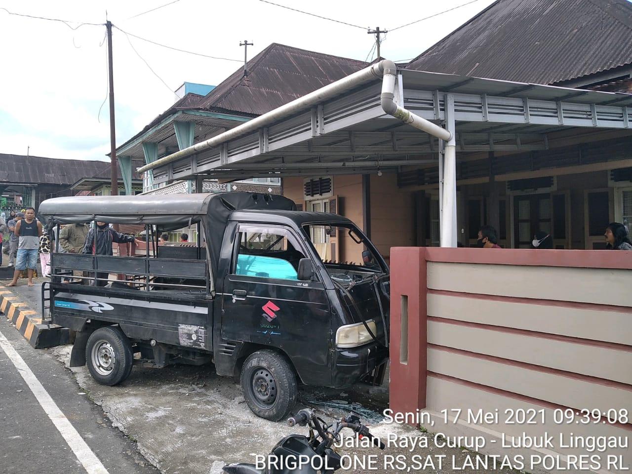 Elak Motor, Angdes Naik Trotoar dan Tabrak Pejalan Kaki