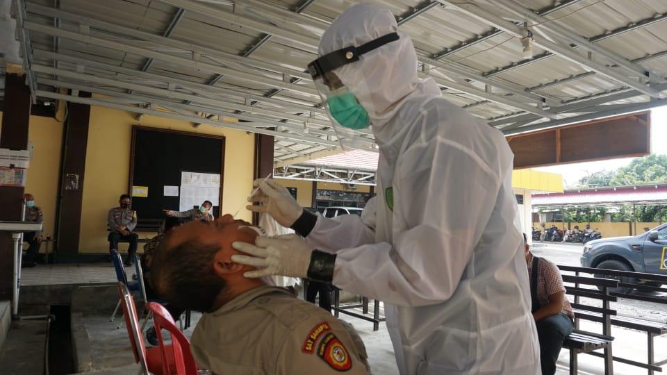 Usai Menjalani Ops Ketupat, 63 Personil Polres BU Tes Swab Antigen