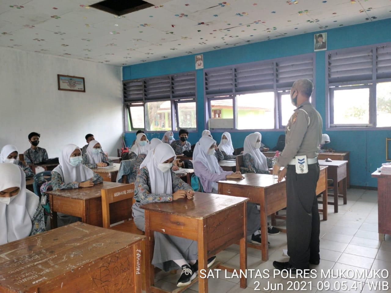 Himbau Kamseltibcarlantas, Polres Gelar Sosialisasi di Sekolah
