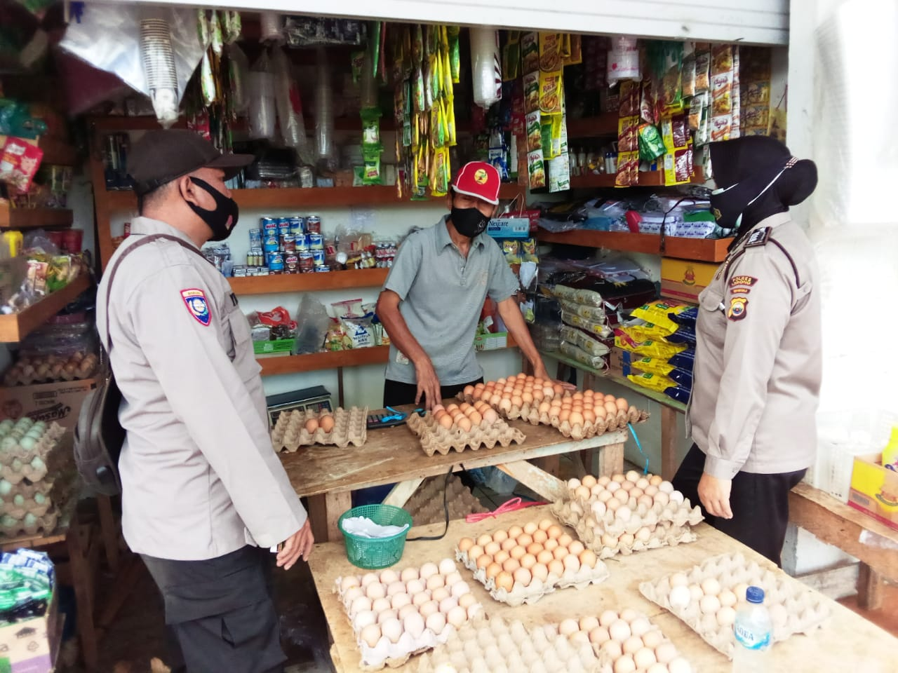 Sambang Pasar, Polres Lebong Binluh Pungli disertai Prokes