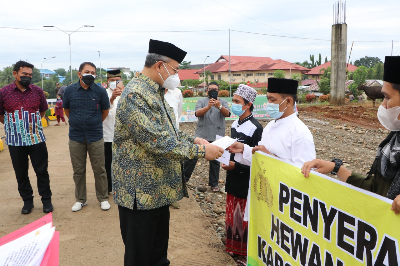 Polda Bengkulu Distribusikan 24 Sapi dan 3 Ekor Kambing Qurban