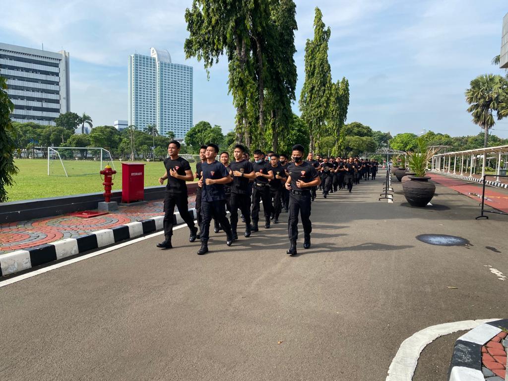 Jaga Stamina dan Imunitas, Sat Brimobda Polda Bengkulu BKO Polda Metro Jaya Rutin Pembinaan Fisik