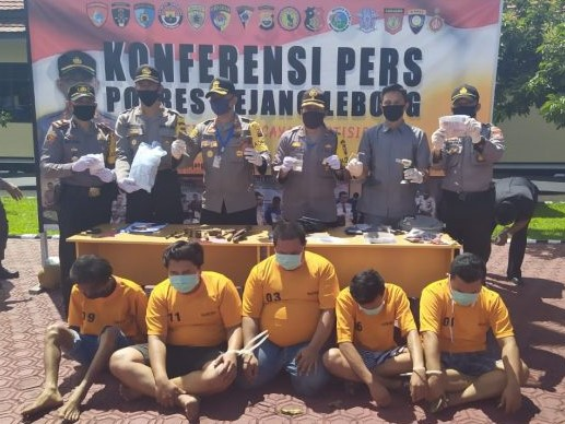 Tempo 2 Hari, Polres Rejang Lebong Amankan 5 Tersangka Bersama BB Narkoba 82 Paket Ganja, 3 Sabu dan 18 Pil Inex