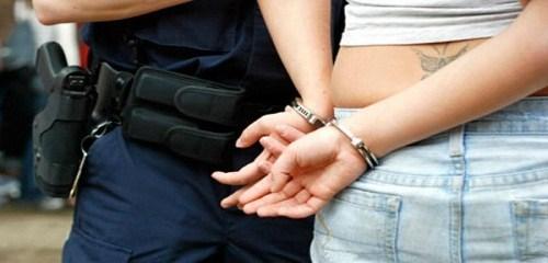 Polisi Tangkap Wanita Penjual Sabu Dicurup