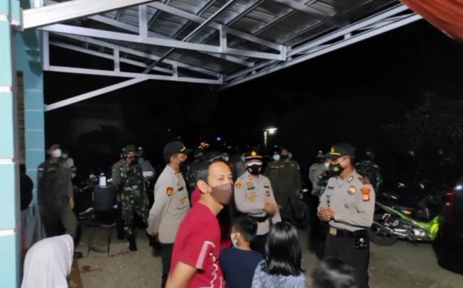 Kapolres Seluma Pimpin Pelaksanaan Patroli Skala Besar PPKM