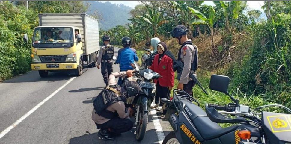 Tekan Kriminalitas di Binduriang, Personil Batalyon A Pelopor Gelar Patroli Ranmor