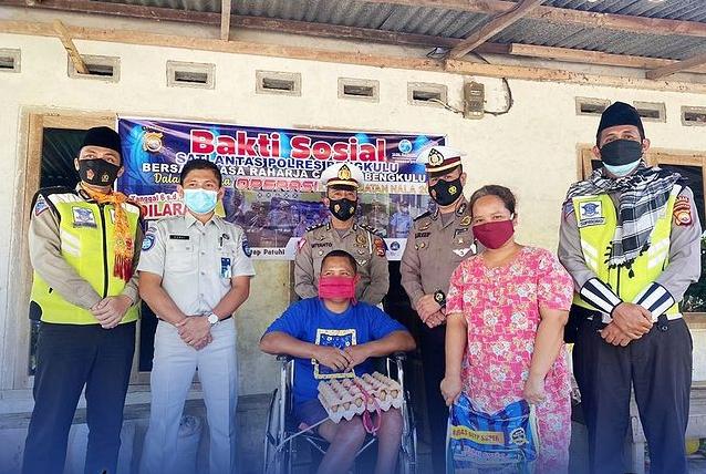 Operasi Keselamatan Nala 2021, Sat Lantas Polres Bengkulu gelar Baksos bersama PT. Jasa Raharja Cabang Bengkulu