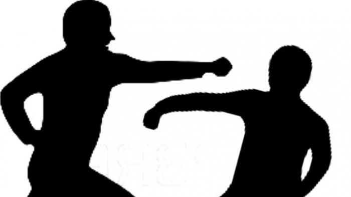 Saling Melotot, Petani Kaur Lakukan Adegan UFC