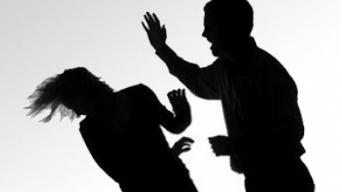 Tak Terima Ditegur Jangan Nakal, Suami Pukul Istri