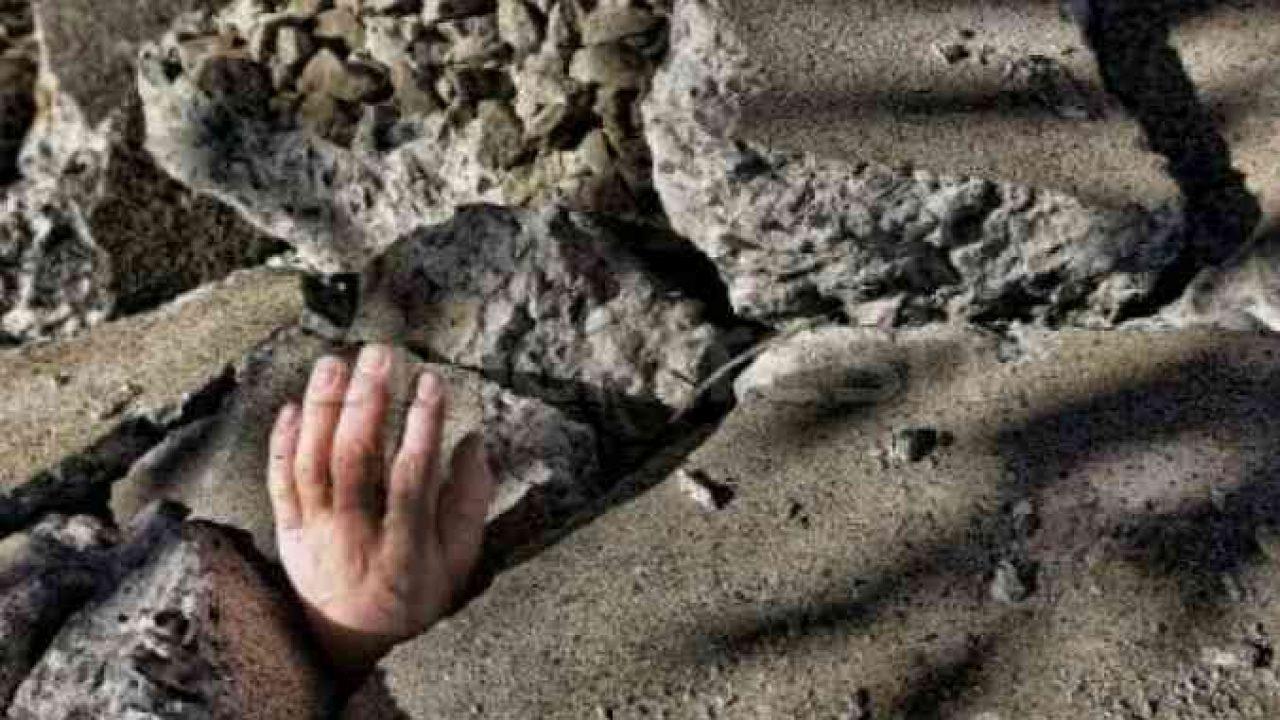 Nahas, 2 Warga Srikaton Tertimbun Tanah