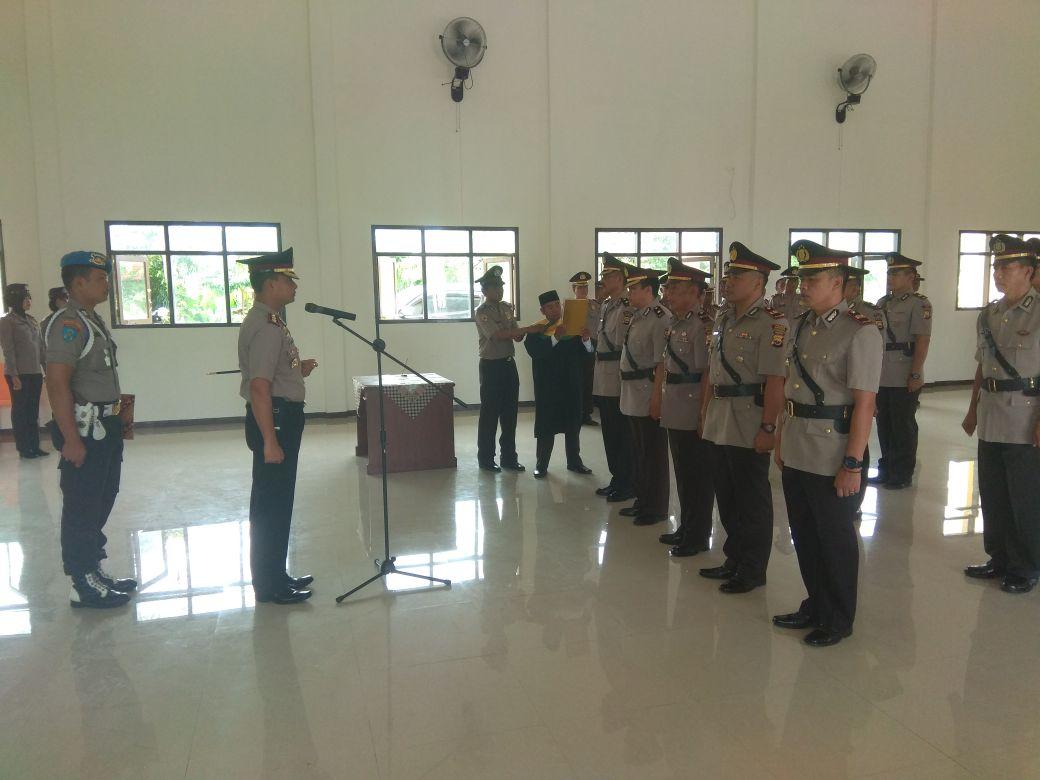 Sertijab Kabag Ops, Kabag Ren , Kasat Binmas dan Para Kapolsek di Polres Kaur