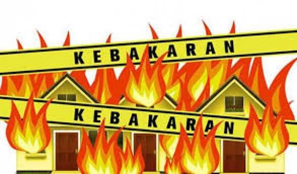 Konsleting Listrik, Rumah Semi Permanen di Desa Taba Tembilang Hangus Terbakar