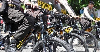 Jaga Kekompakan, Brimob Main Sepeda