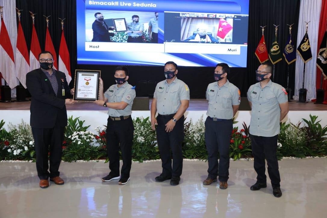 Raih Rekor Muri, TNI-Polri Mantapkan Soliditas