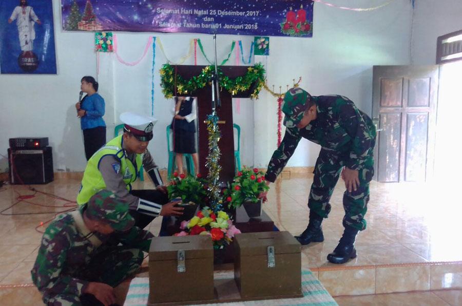 Pastikan Keamanan Tempat Ibadah, Personil Polres Seluma Periksa Tiap Sudut Ruangan