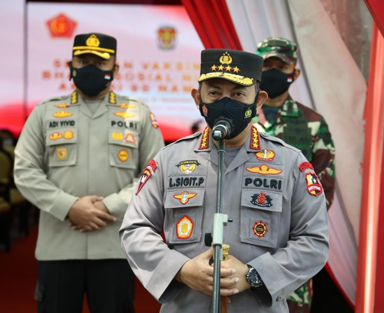 Tinjau Serbuan Vaksinasi AKABRI 1998, Kapolri: Wujud Sinergitas TNI-Polri Tekan Pertumbuhan Covid-19